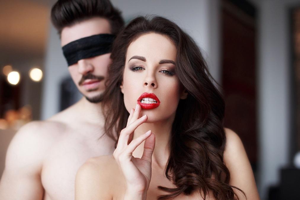 ¿Cómo atraer a una mujer con novio?